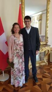 Mein Man und ich in der Paraguayischen Botschaft in Bern